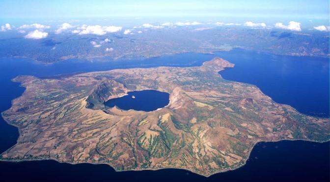 taal-lake1-672x372.jpg