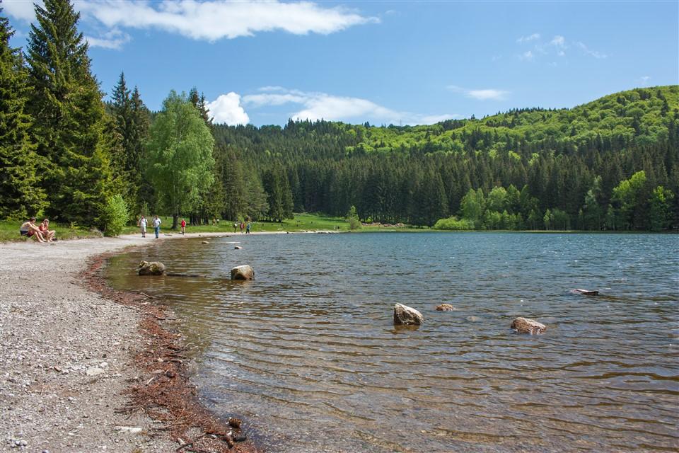 Nagyobb védelmet kap a Szent Anna-tó, sem piknikezni, sem fürödni nem szabad
