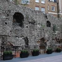 Római fal megmaradt része, Tower Hill, /London, 47