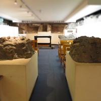 Teplom alatti kripta mely római szentélyre épűlt és egy koporsó az 1800-as évekből, / St Bride's templom, Fleet Street, London, 80