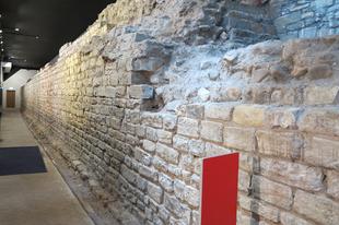 Római erőd melyre kastély épűlt, / Cardiff, Wales, 83