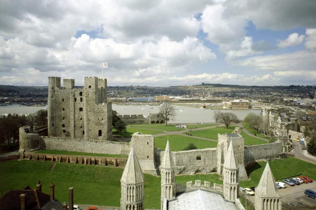 rochester-castle-1-of-4-1024x683.jpg