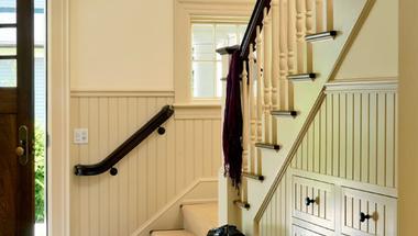 Mi mindent kezdhetünk egy lépcsővel?