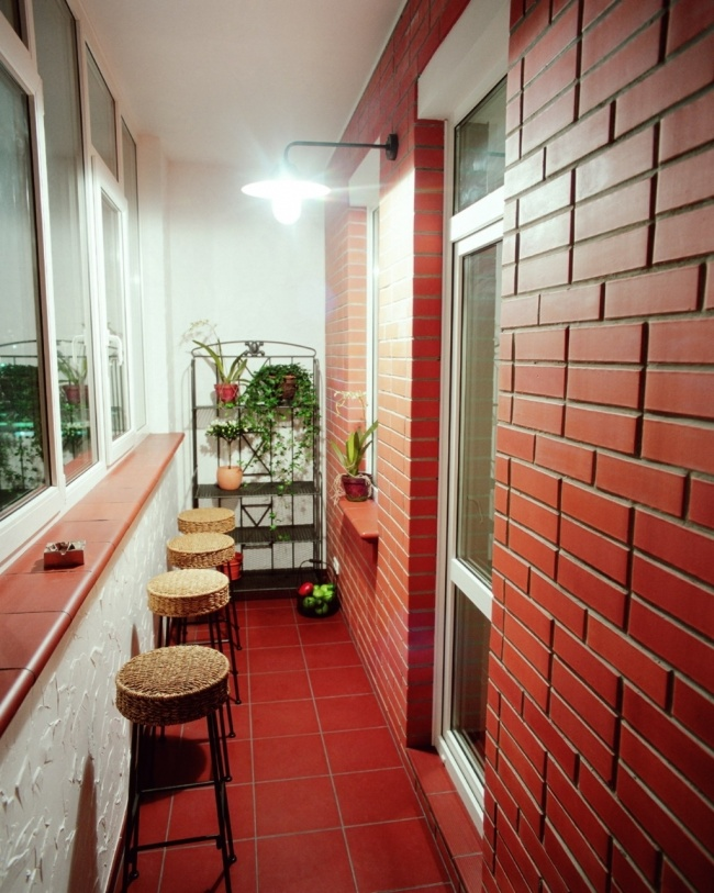 13655910-r3l8t8d-650-balkony_s_vynosom_foto_8.jpg