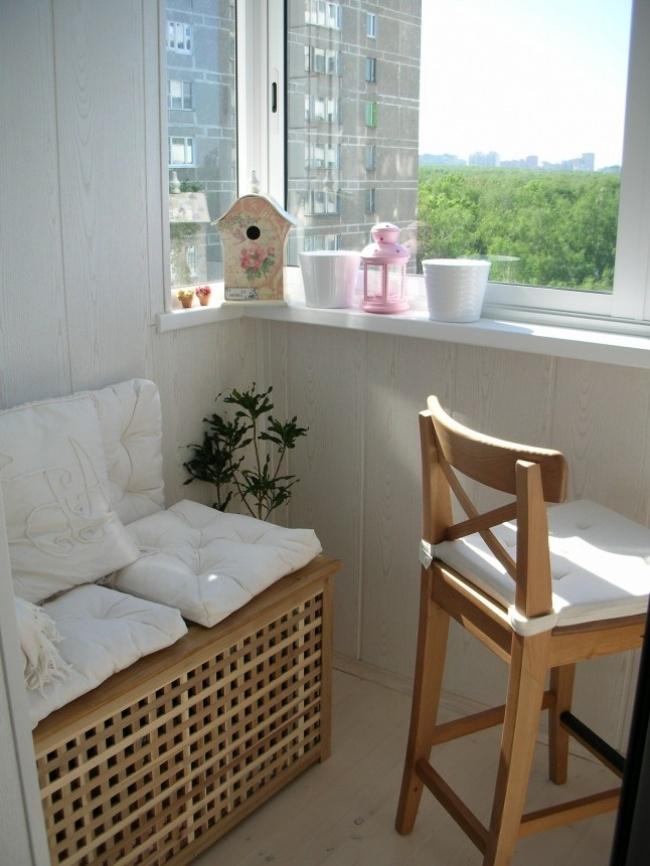 13658060-r3l8t8d-650-balconyfurnituresmall-y02hhn8u.jpg