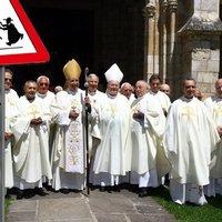 Óvd a gyerekeidet a papoktól!