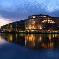 Strasbourgot pedig le kell rombolni