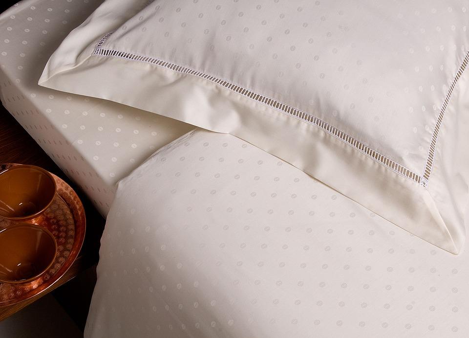 bed-1284666_960_720.jpg