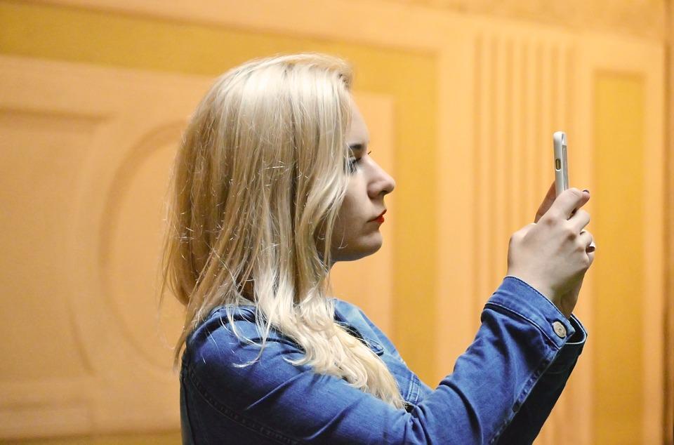 blonde-1503202_960_720.jpg
