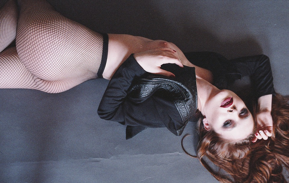 erotic-2285488_960_720.jpg