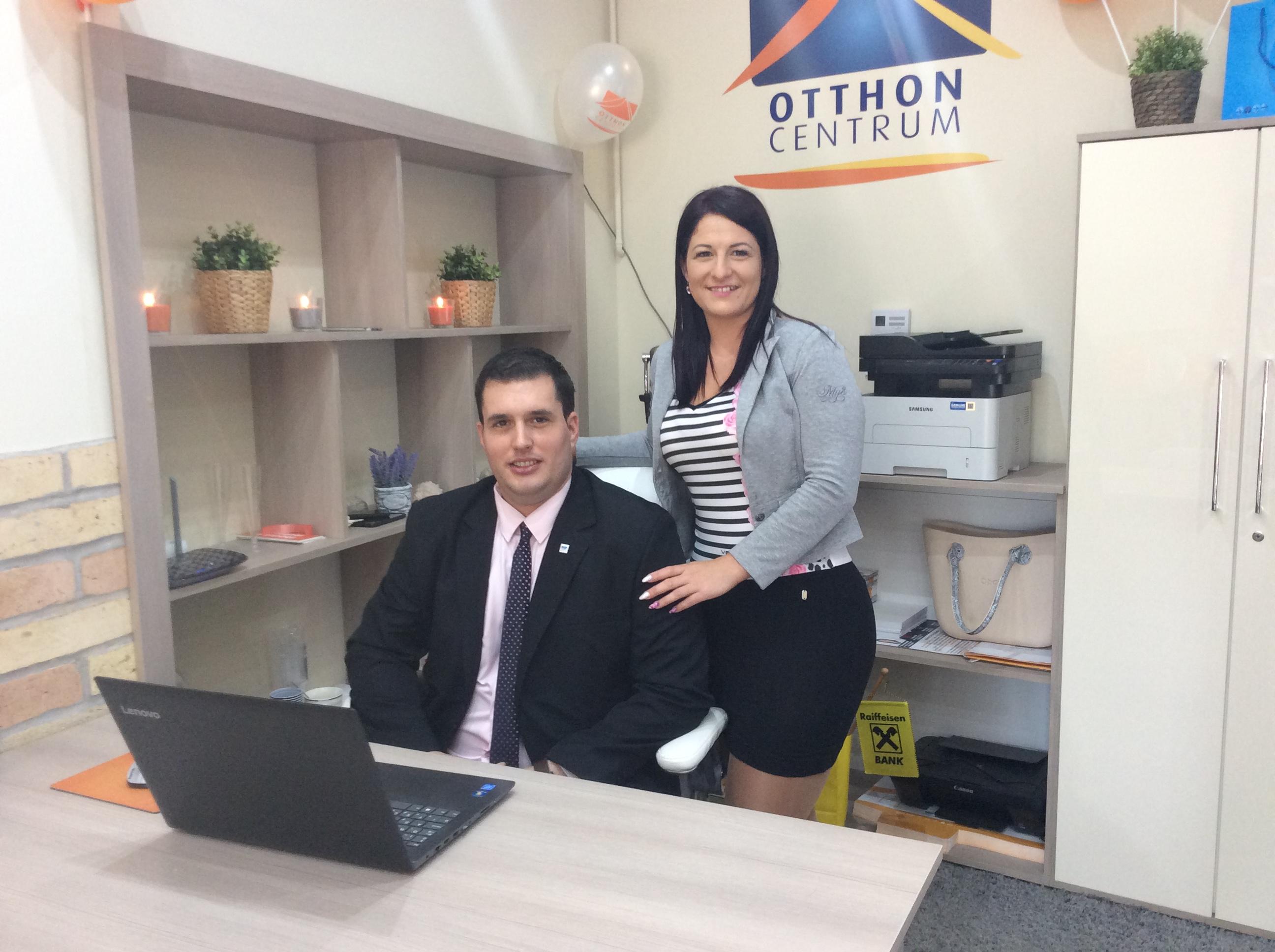 Zsani és Laci megnyitották az Otthon Centrumot Makón! #értékesötletek