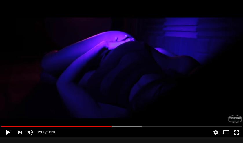 Oh, ne nézz rám!- sexy klippel jött ki a The9Strings! #értékesötletek