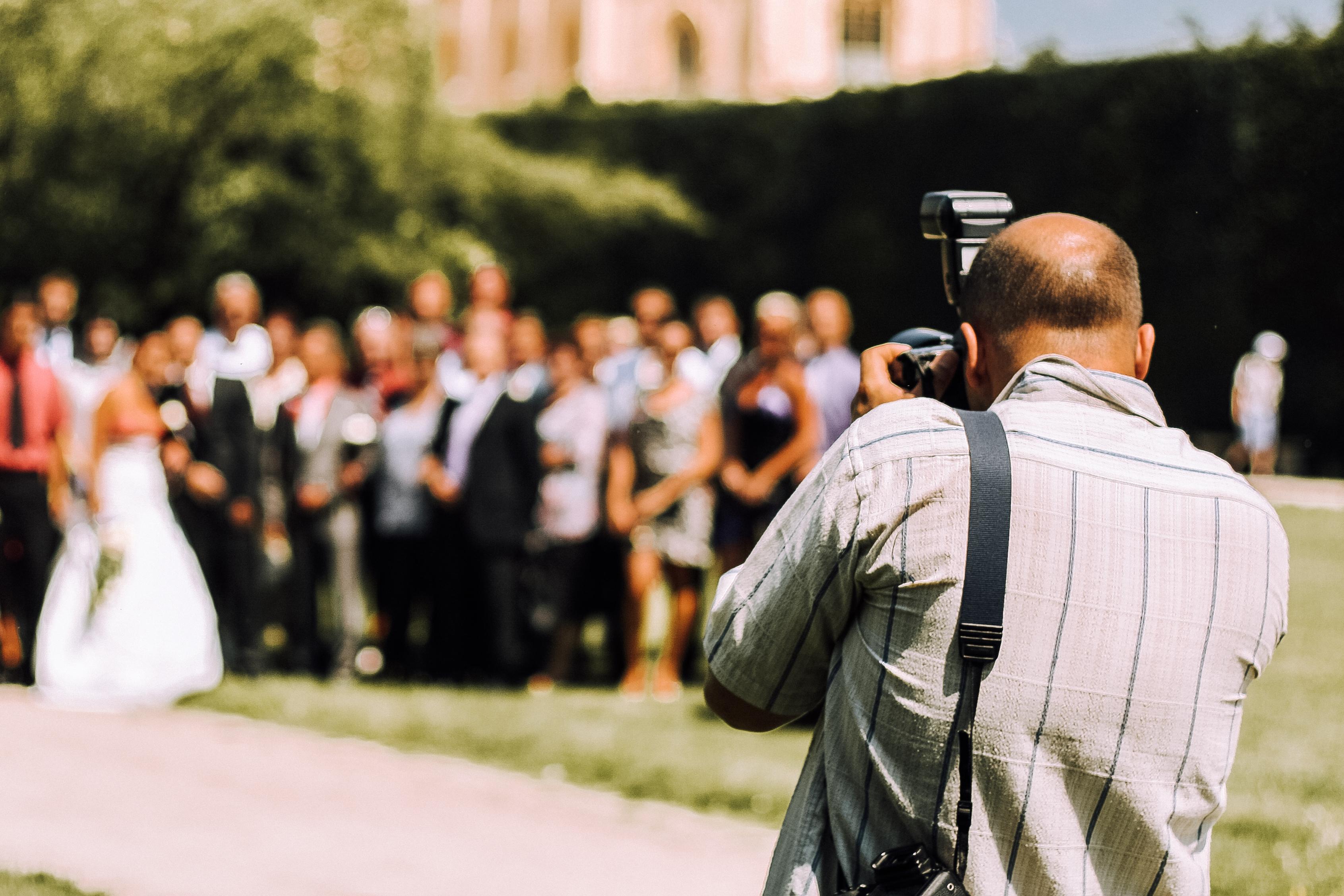 wedding-photographer-picjumbo-com.jpg