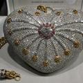 3.8 millió dolláros táska