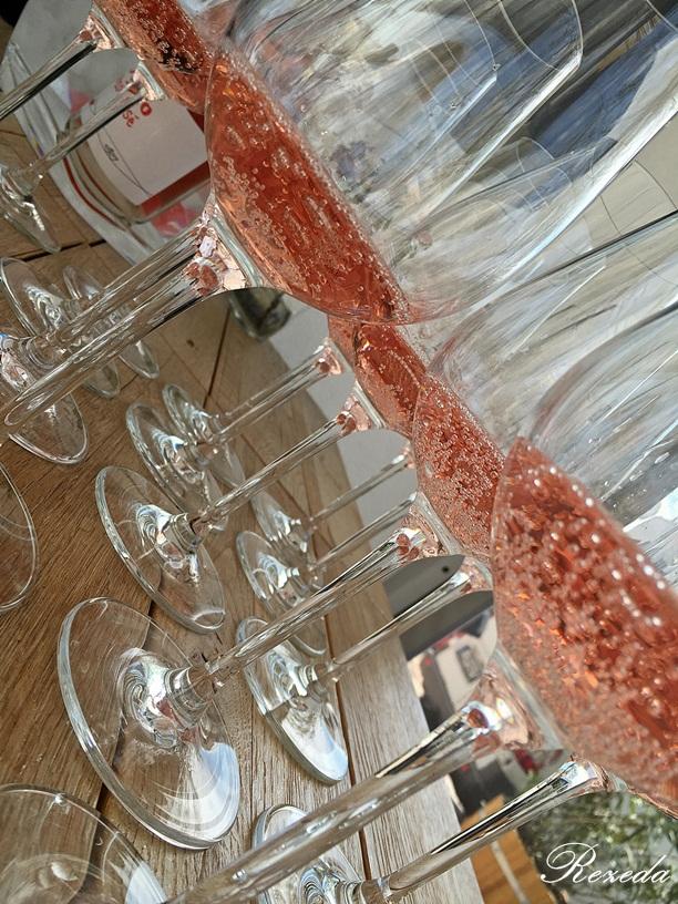 Bubis-rózsaszín 'istenhozott-ital'