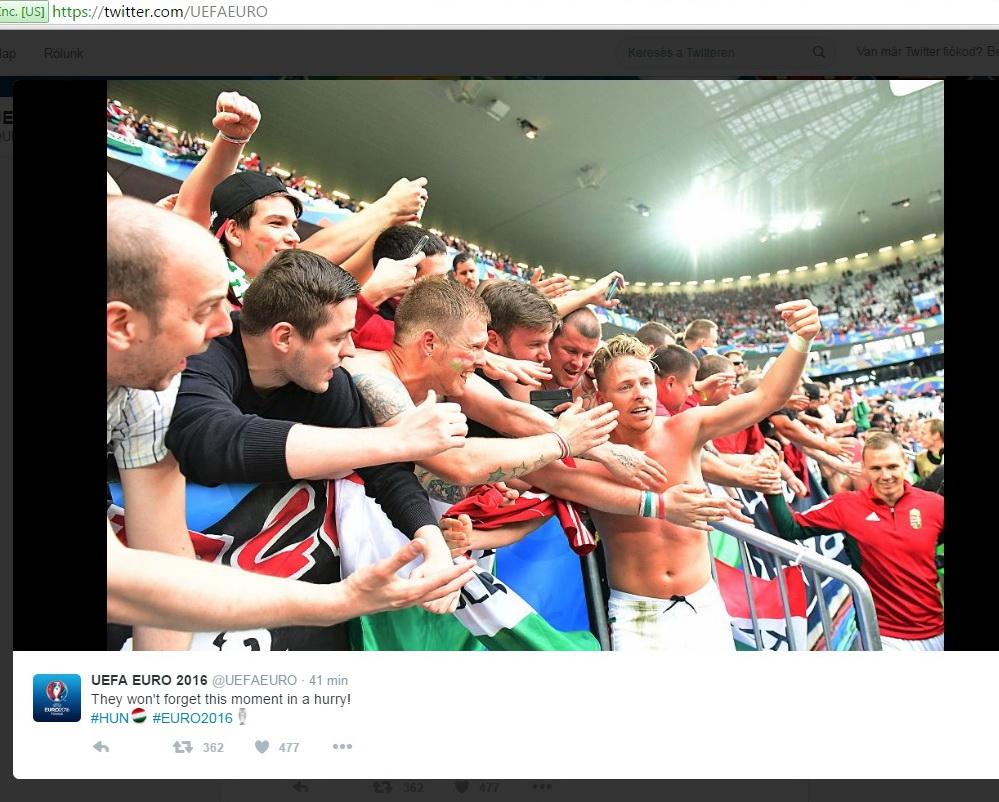 focieb_2016_magyarosztrak_zsuzsiek_a_nezok_kozt.jpg
