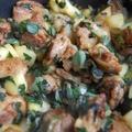 Almás, hagymás csirkecombok 2 (medvehagymával)