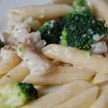 Brokkolis halas tészta