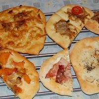 mini pizzák, vagy mik - avagy a férfi ha főz