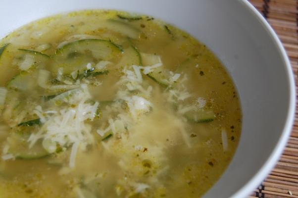 fokhagymás cukkini leves.JPG