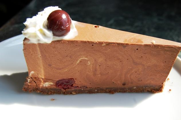 meggyes csokihab torta.JPG