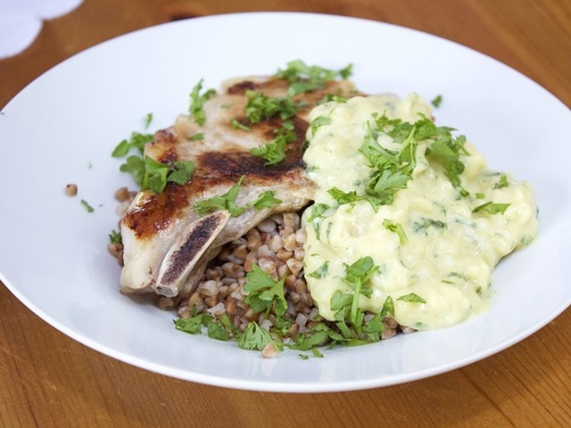 Tojásmentes recept: Tejfölös, mustáros, sajtos karaj