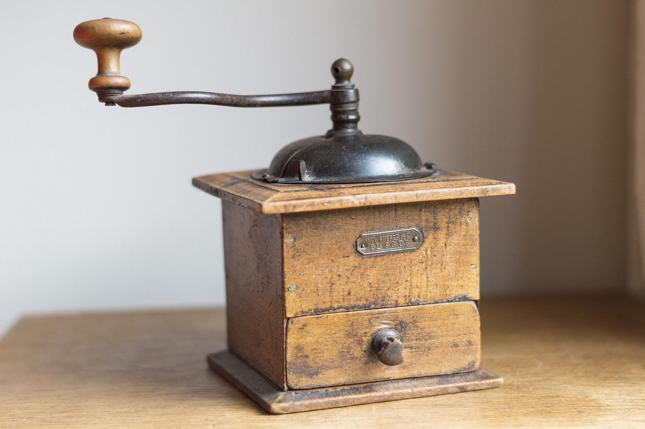 coffee-grinder-1796286_1280.jpg