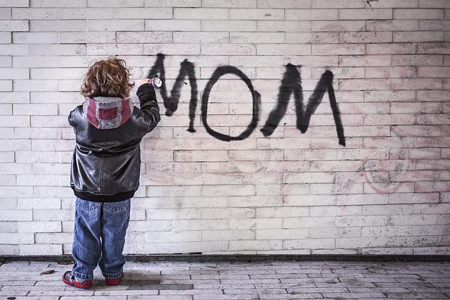 mom-1403724_640.jpg