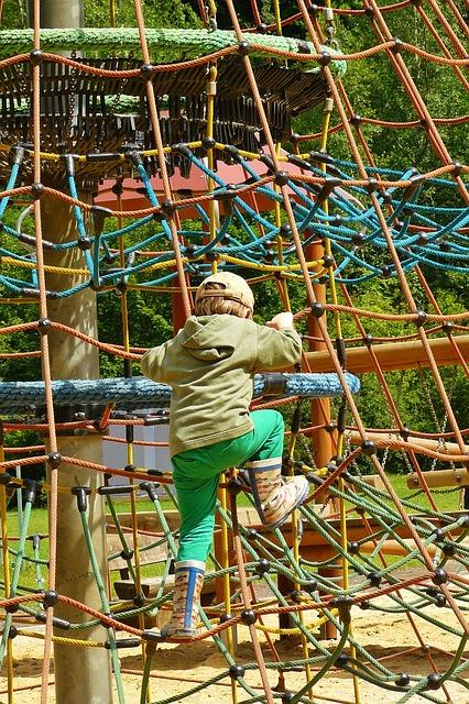 playground-408658_640.jpg