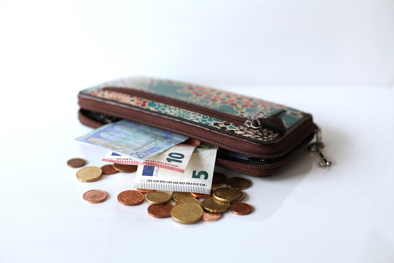 wallet-637042_1280.jpg