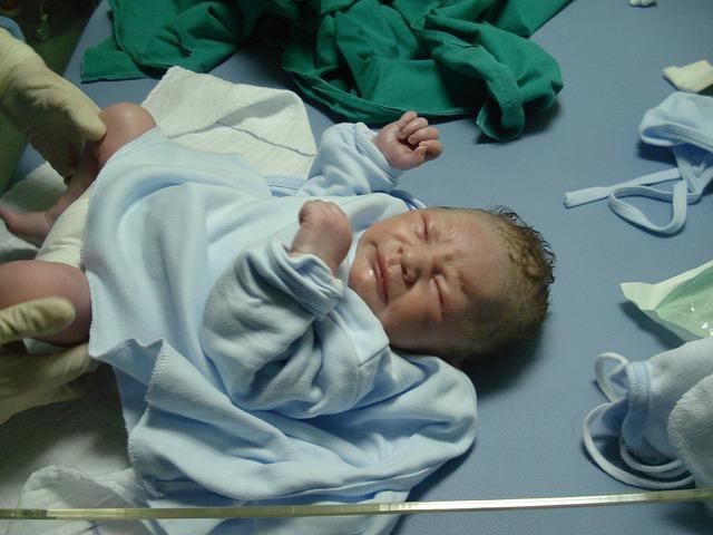 new-born-702548_640.jpg