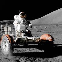 Goodyear gumikon a Holdon  –  a holdkutatás 50 évét ünnepeljük