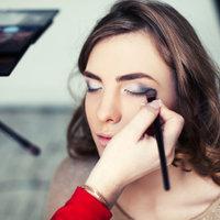 Tavaszi sminkeléssel köszönti a nőket Bridgestone