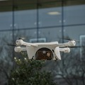 A UPS DRÓNOKKAL SZÁLLÍT ORVOSI MINTÁK AZ USA-BAN     Ezzel elindult az első, az amerikai légügyi felügyelet által jóváhagyott rutinszerű drónkiszállítás