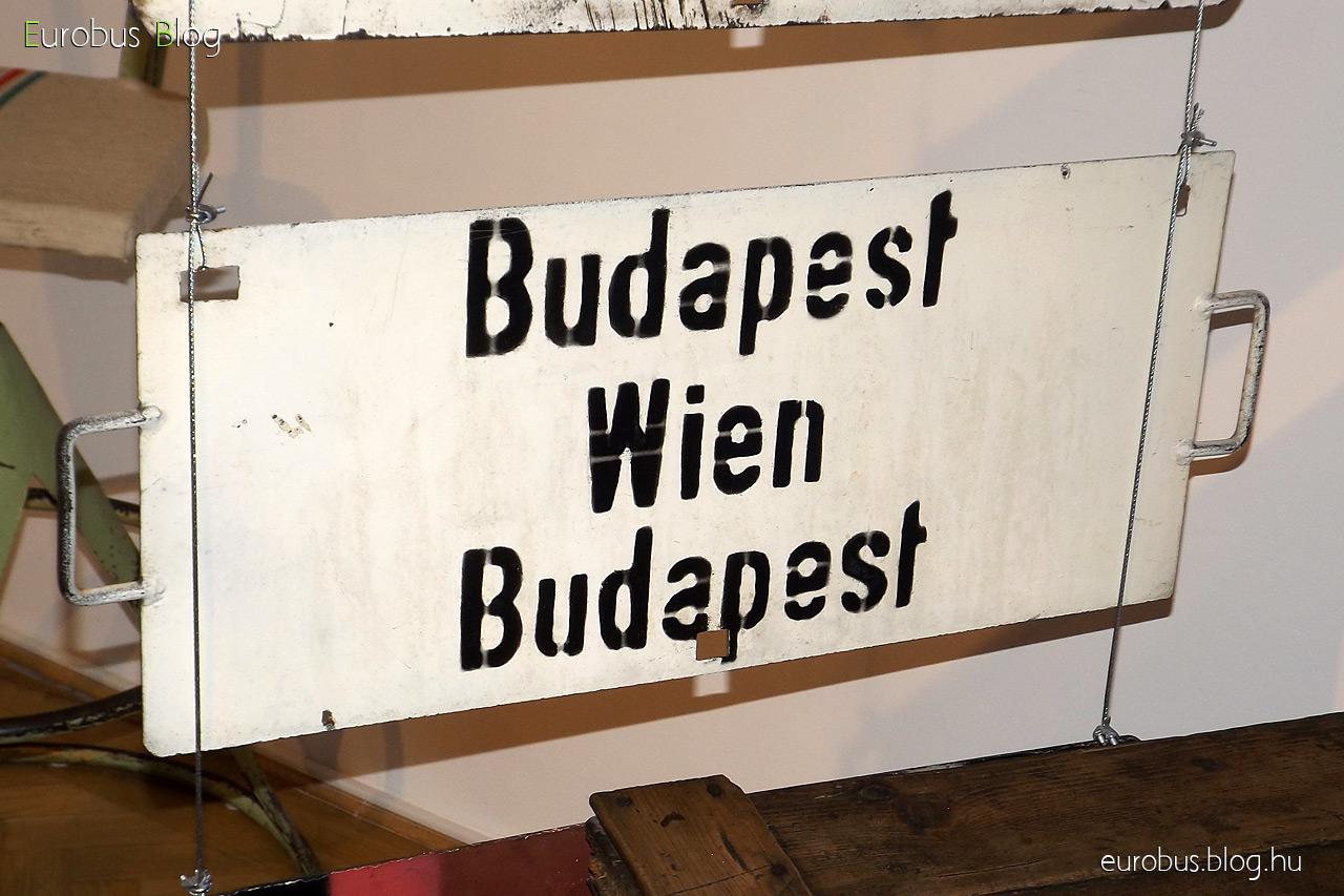 Táblagyűjtemény egy darabja: Budapest - Wien - Budapest.