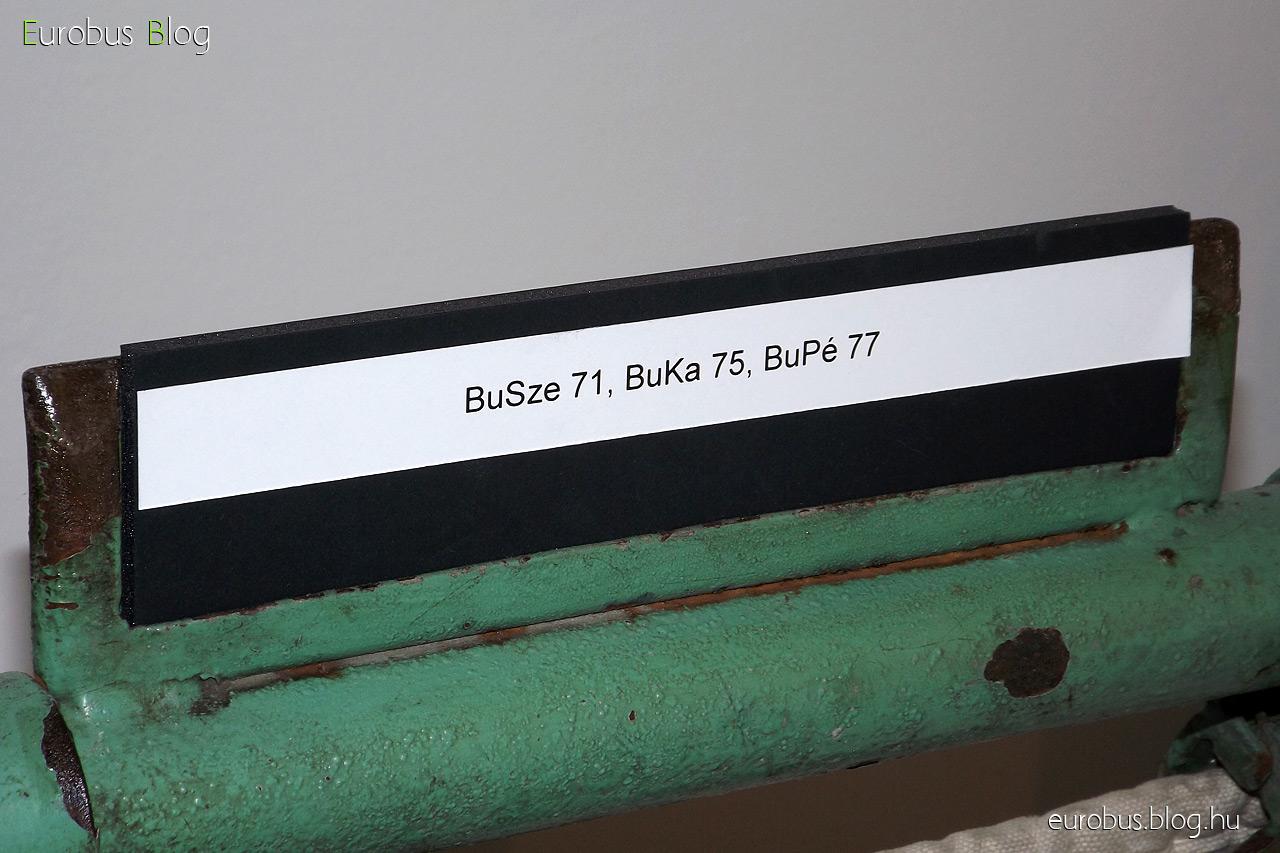 Ha Budaörsön is még ilyen minőségi feliratok lennének. Ez nem a cellux és filctoll kombináció.