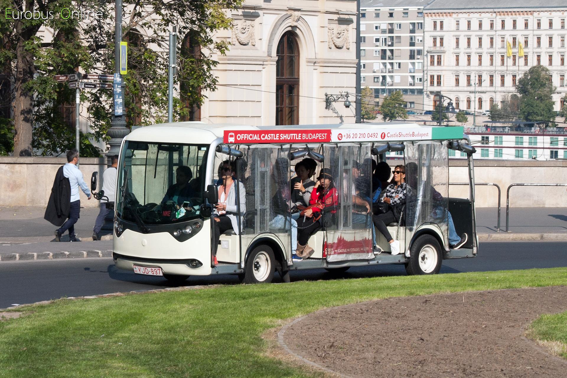 Az YJD-897 legnagyobb utaskapacitású kocsi a teljes 'castle bus' flottában.