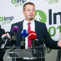 Az LMP Orbán csicskája