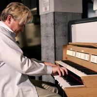"""Varnus Xavér: """"a zenészek mint a szellemek fejedelmei, felségjel nélkül utaztak"""""""