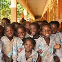 Januárban főszerepben a világ legnagyobb segélydonora – kis afrikai és finn kitekintéssel