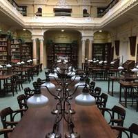 Erősítsd nyelvtudásod az Országos Idegennyelvű Könyvtárban!