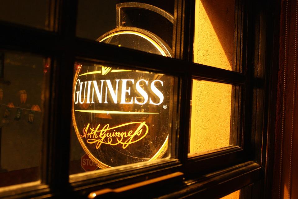 pub-483944_960_720.jpg