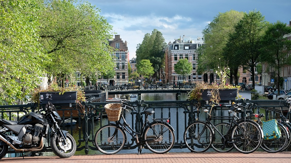 amsterdam-2799491_960_720.jpg