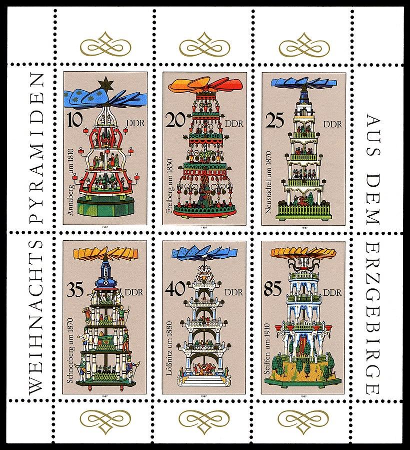 Karácsonyi piramisok bélyegen Németországból