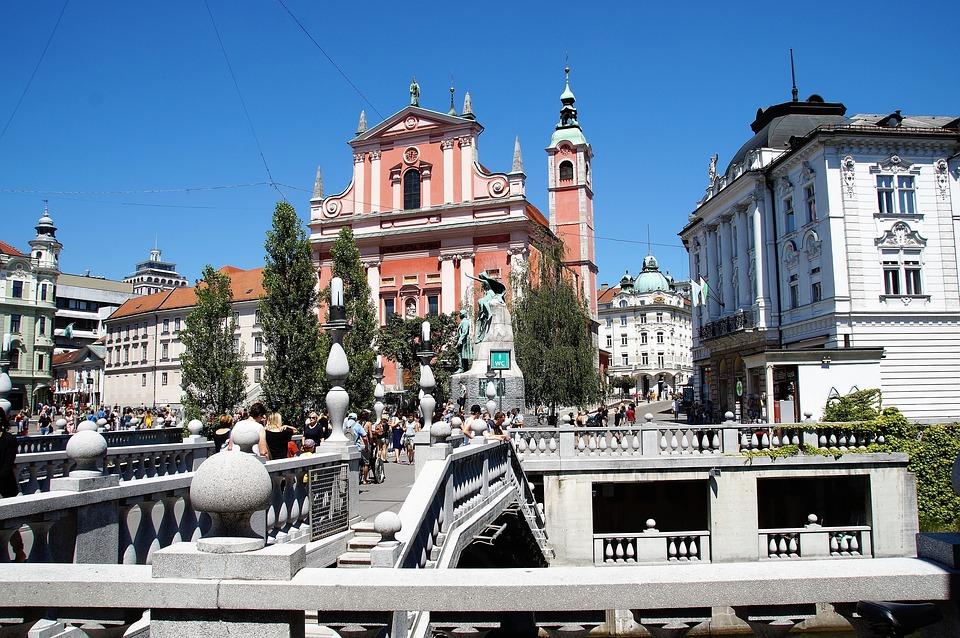 ljubljana-2687908_960_720.jpg