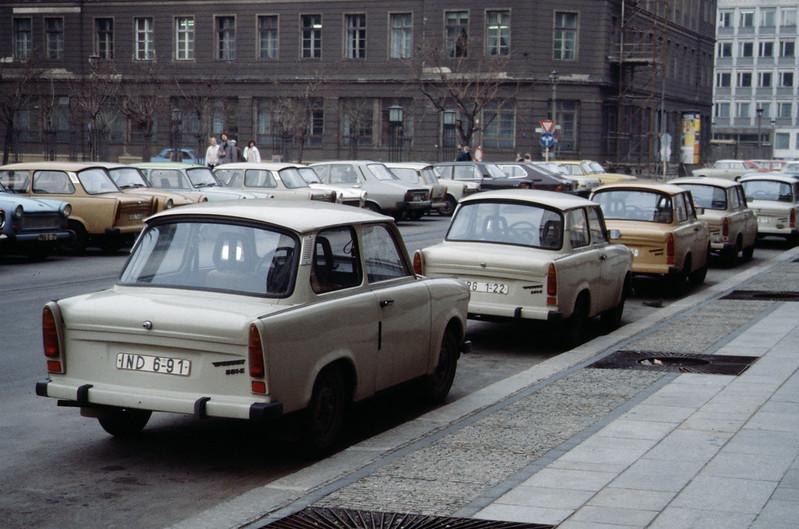 Utcakép Kelet-Berlinből, 1989 november (forrás)