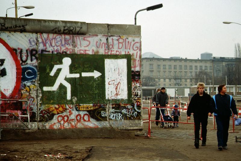 Megvan a kijárat, 1989 november (forrás)