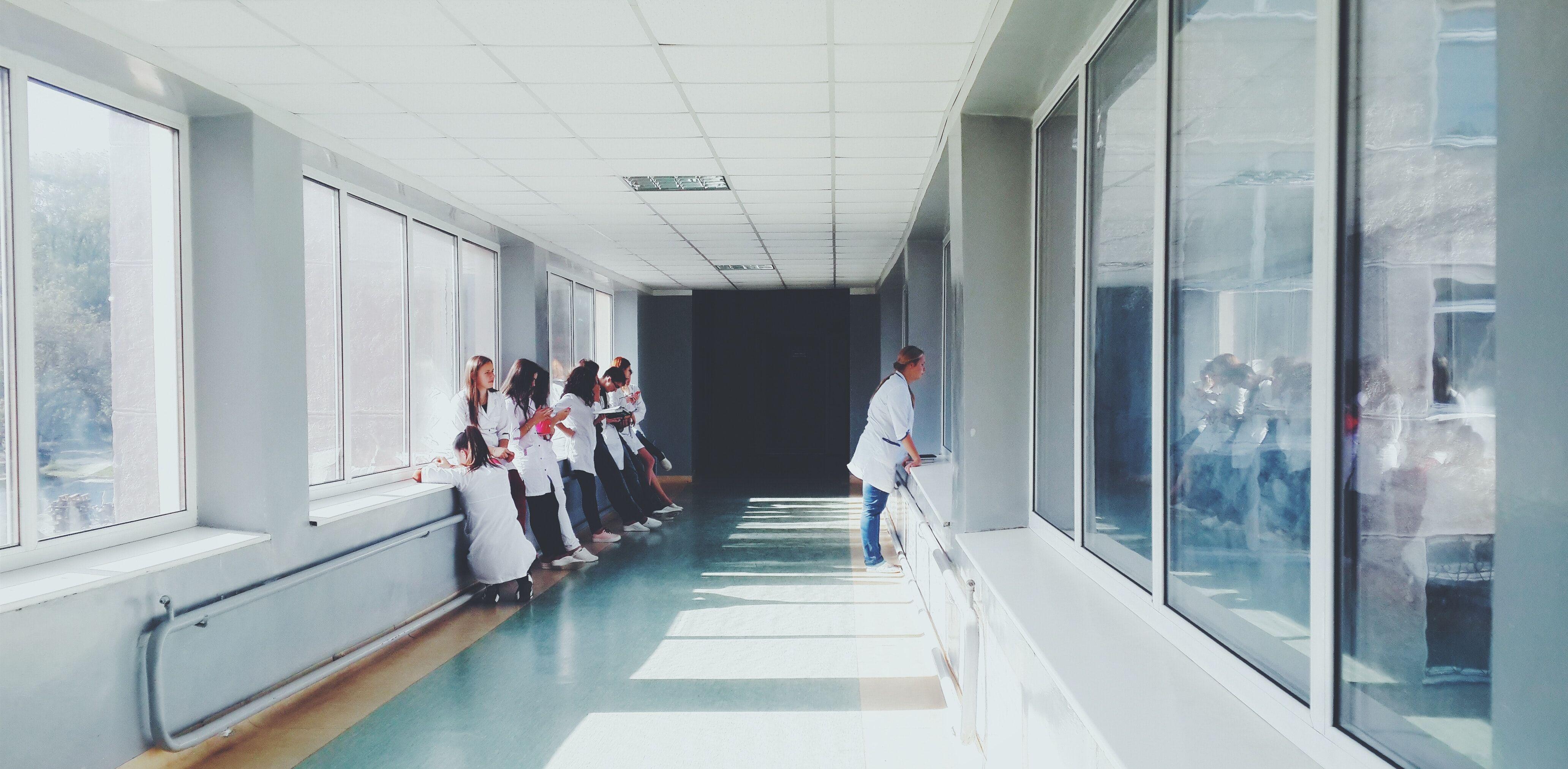 doctors-glass-hallway-127873.jpg