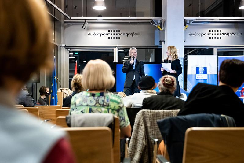 A vendégeket Felix Bubenheimer, az Európai Bizottság magyarországi képviseletvezető-helyettese köszöntötte