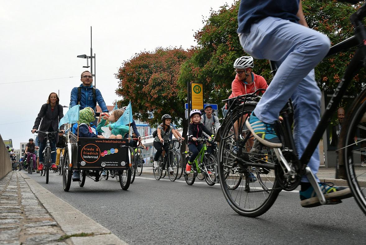 Családi tekerés Dániában, a tipikus Christiania biciklivel (DK)
